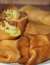 Блины с курицей и грибами в сливках и с сыром, блины с курицей, блины с сыром, сыр, блины в сливках, сливки,
